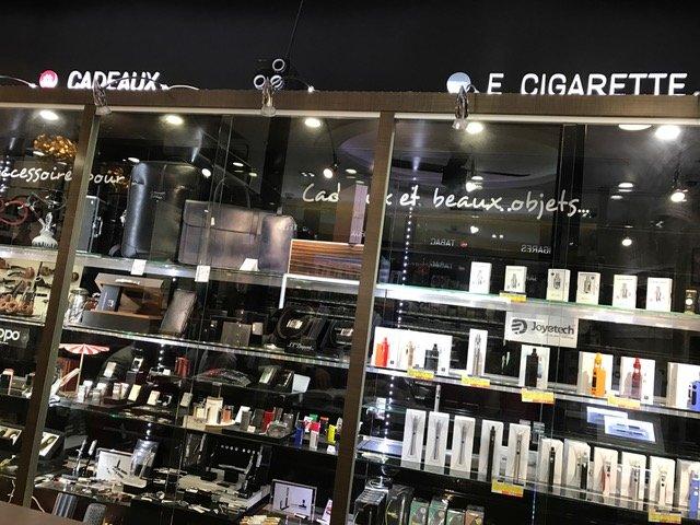 Une nouvelle signalétique est mise en place dans tout le magasin pour que toute l'offre soit lisible